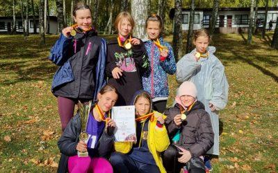 Złoty start w Mistrzostwach Pomorza w Sztafetach Przełajowych
